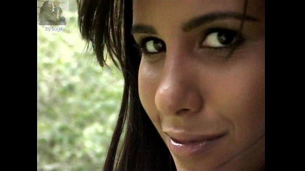 Carol Honório Nua
