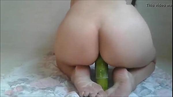 Videos de Sexo Vadia brincando com seu pepino
