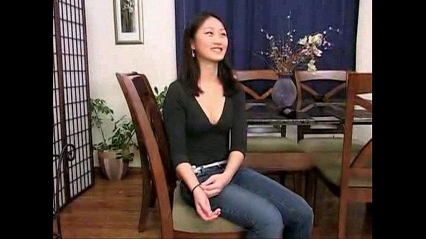 Asiática amadora magrinha em anal gostoso