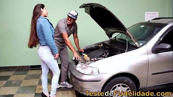 O carro atrapalhou, mamou o mecânico e ele concertou