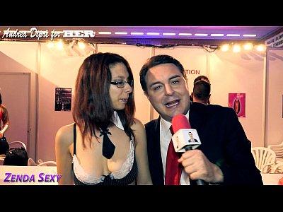 Videos Tube Zenda sexy sucks a lollipop for andrea dipre
