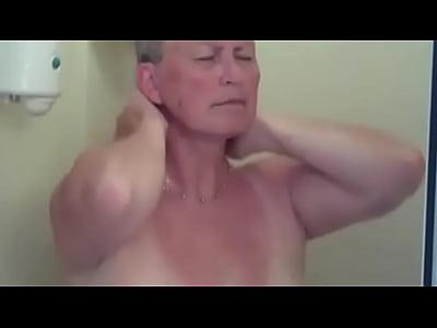 ma mère filmée par mon père ;-) (1 min 28 sec)