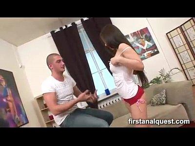 Jeune femme se fait pedro le cul