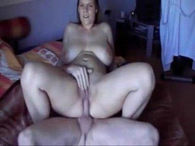 Fat girl gets creampie