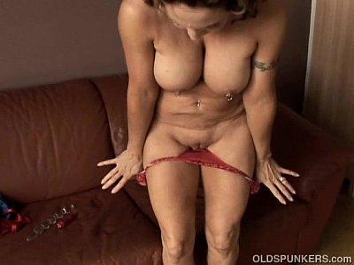 Juicy granny porn