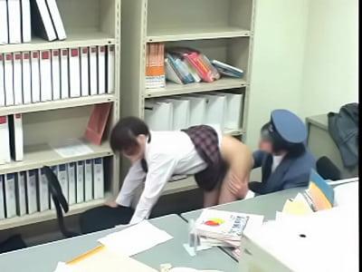 【素人JKレイプ盗撮動画】キセル女子校生を脅してセックスに持ち込む鬼畜駅員の隠し撮り