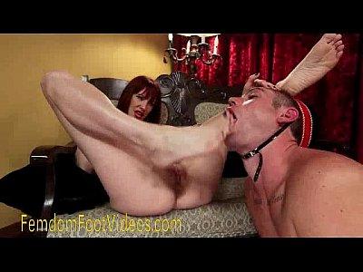 sucking toe Lesbian domination