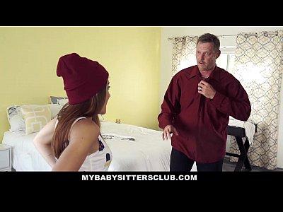 Mybabysittersclub llamó la niñera masturbándose