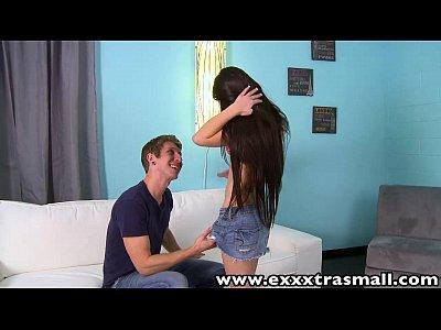Exxxtrasmall petite teen lacie channing húmedo coño de golpe