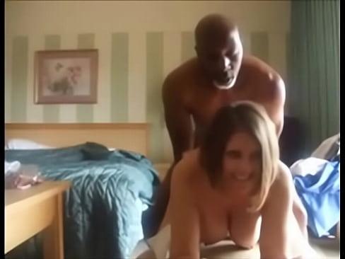 Videos de Sexo Porno socando a benga na vizinha bunduda