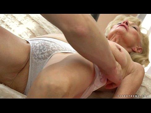 Mature sex cream pie sleep