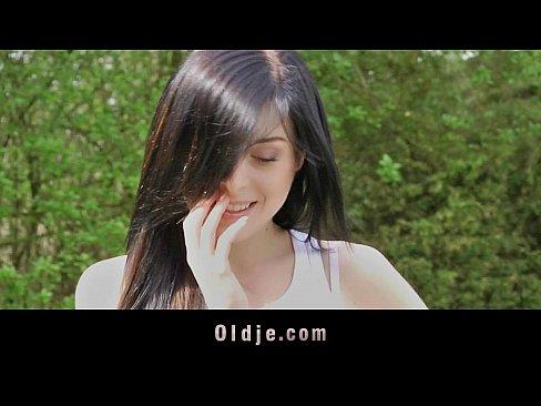 Video de sexo patricinha dando uma transada no parque