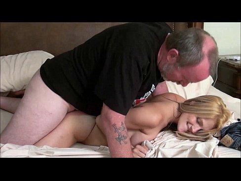 Pai comendo comendo em video de incesto real