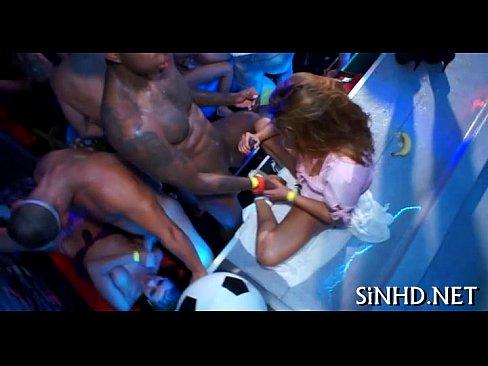 http://img-egc.xvideos.com/videos/thumbslll/32/a7/e2/32a7e23b00df9c49449afa3b91d63167/32a7e23b00df9c49449afa3b91d63167.15.jpg