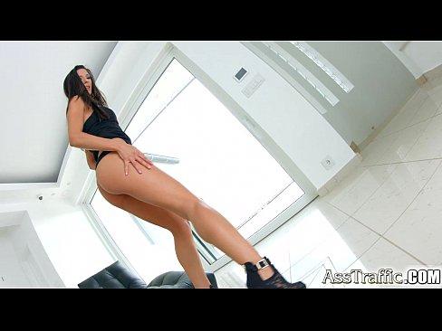 Videos de Sexo Porno fodendo o cuzinho da morena