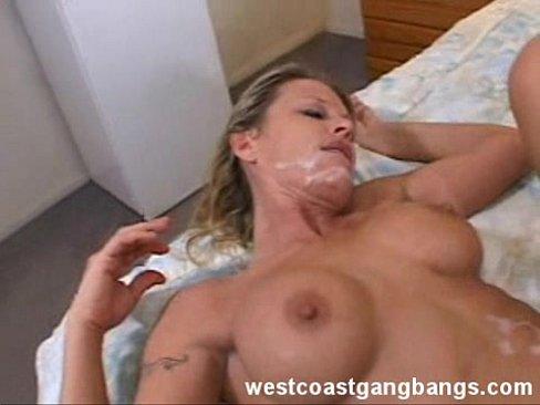 Fipina peeing video