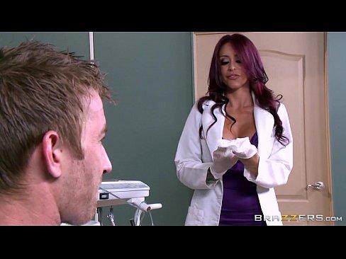 Medica esposa puta dando para o paciente