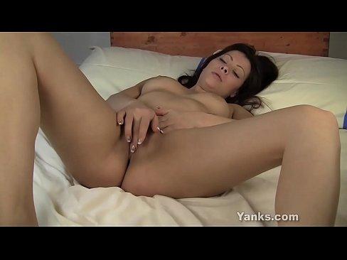O Vaduva Se Joaca Cu Degetele In Pizda Porno