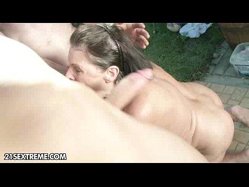 Incest Cu Fratele Care Isi Fute Sora Dupa Ce Vine De La Scoala Porno Total