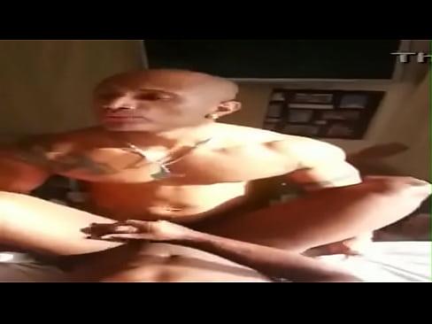 Safado forte em porno gay brasileiro