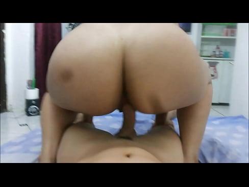 Porno doido traçando a buceta da amiga safada