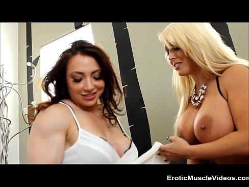 Amateur nude women on webcam