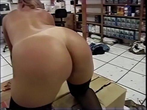 Videos de Sexo Porno loira bunduda liberando a xoxota