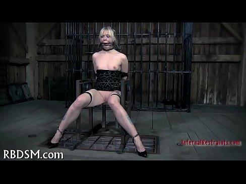 http://img-egc.xvideos.com/videos/thumbslll/90/52/b8/9052b8c31d3700d99963191924fce45e/9052b8c31d3700d99963191924fce45e.9.jpg