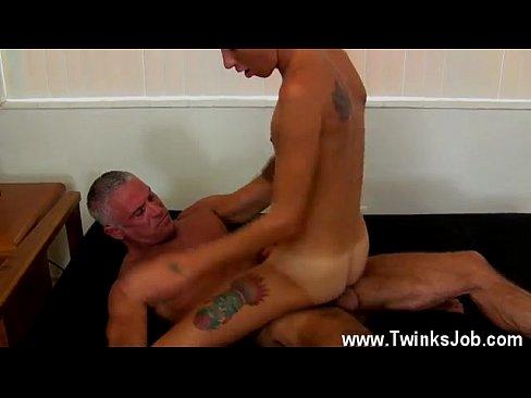 mature and boy gay porn View 800X600 jpeg.
