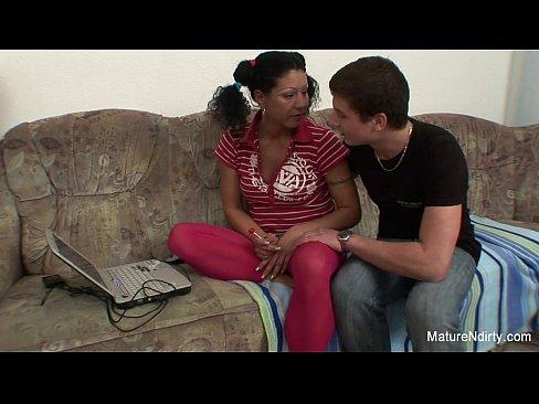 Filme Porno Xxl Online Cu Mama Care E Violata De Fiu