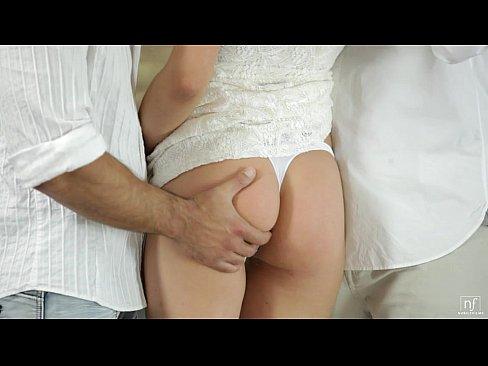 Loira em videos de sexo samba sendo fodia por 2