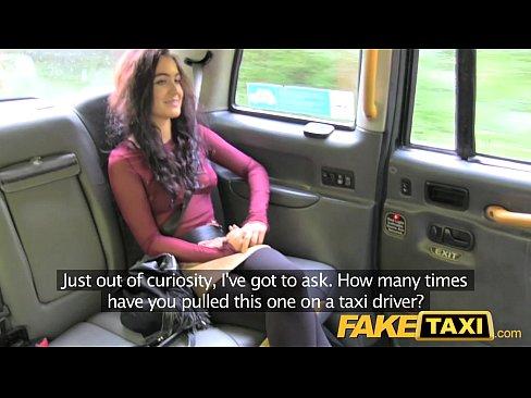 Filmata Cu Camera Ascunsa Cand Suge Pula In Taxi